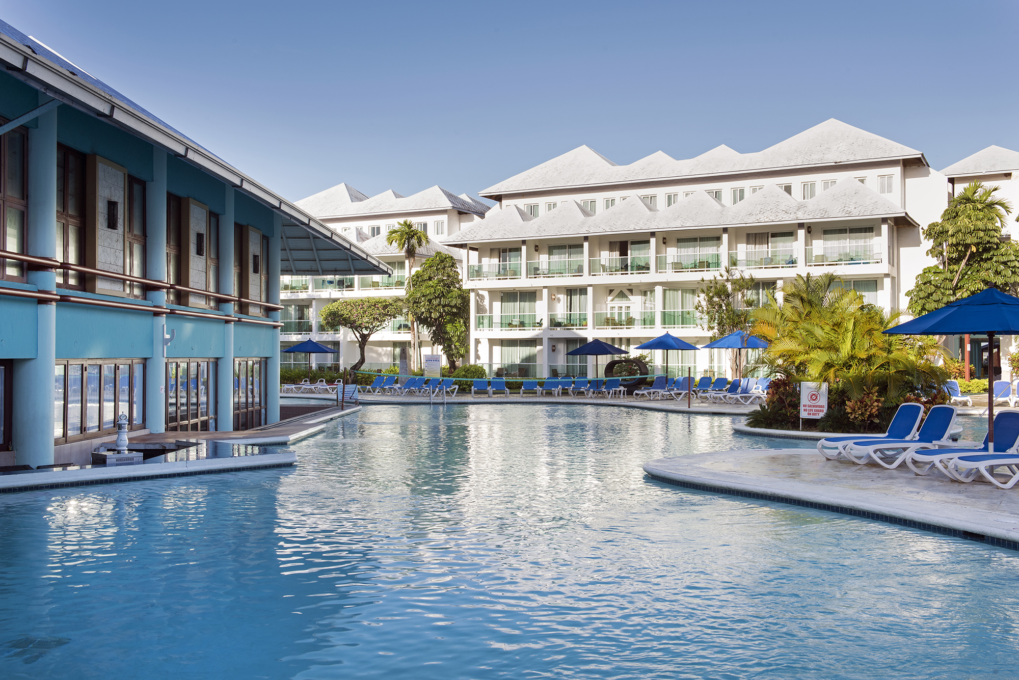 """Casino Hotel: Grand Paradise, 5 Nts, All - Inclusive w/Air From: $459 """